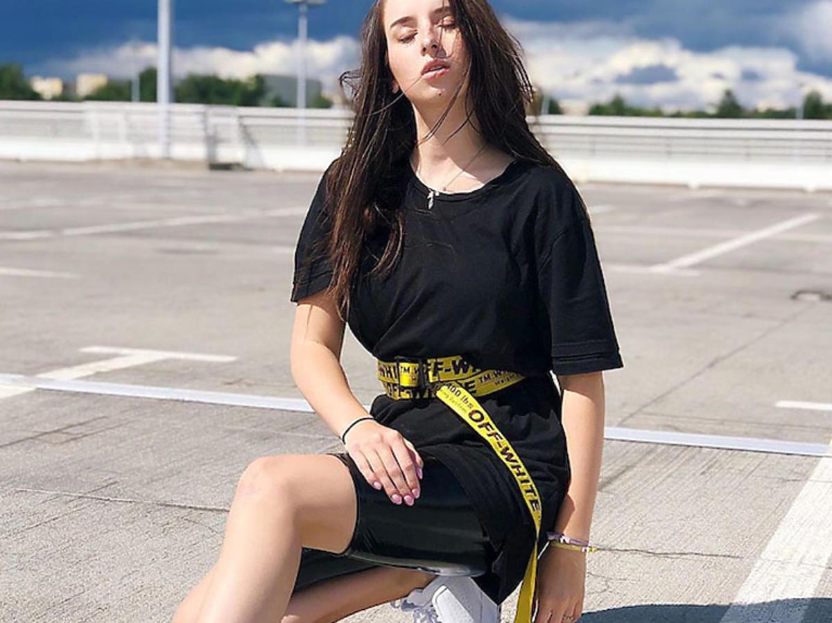 Sylwia Lipka w czarnej sukience