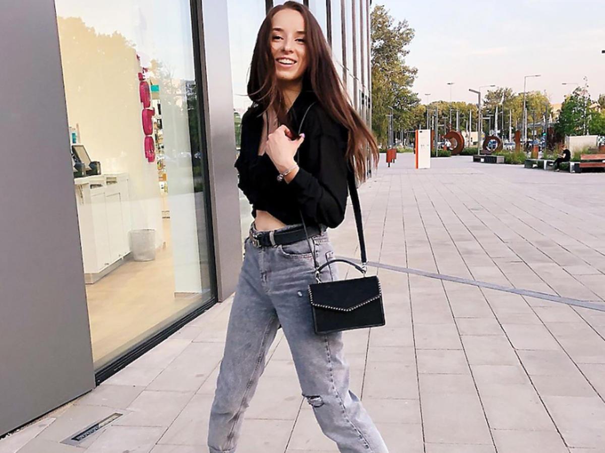 Sylwia Lipka w dżinsach z wysokim stanem