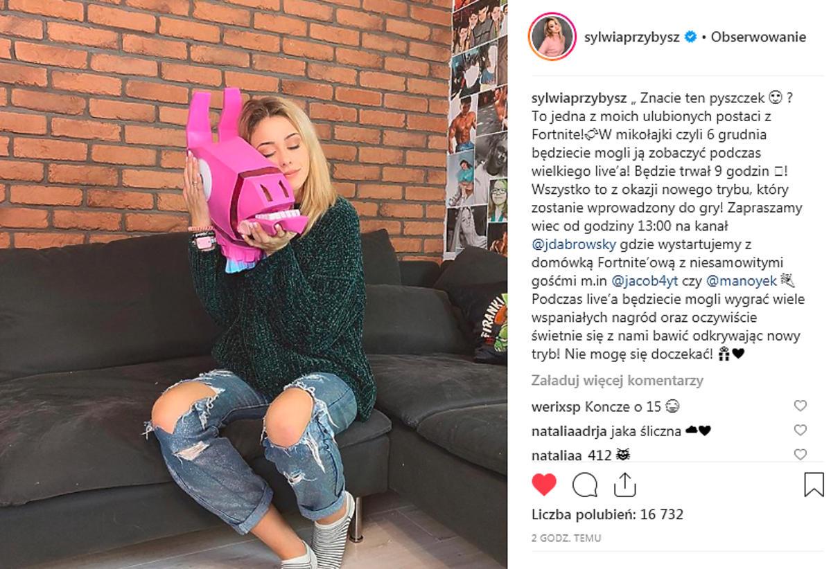 Sylwia Przybysz i Jan Dąbrowski robią domówkę