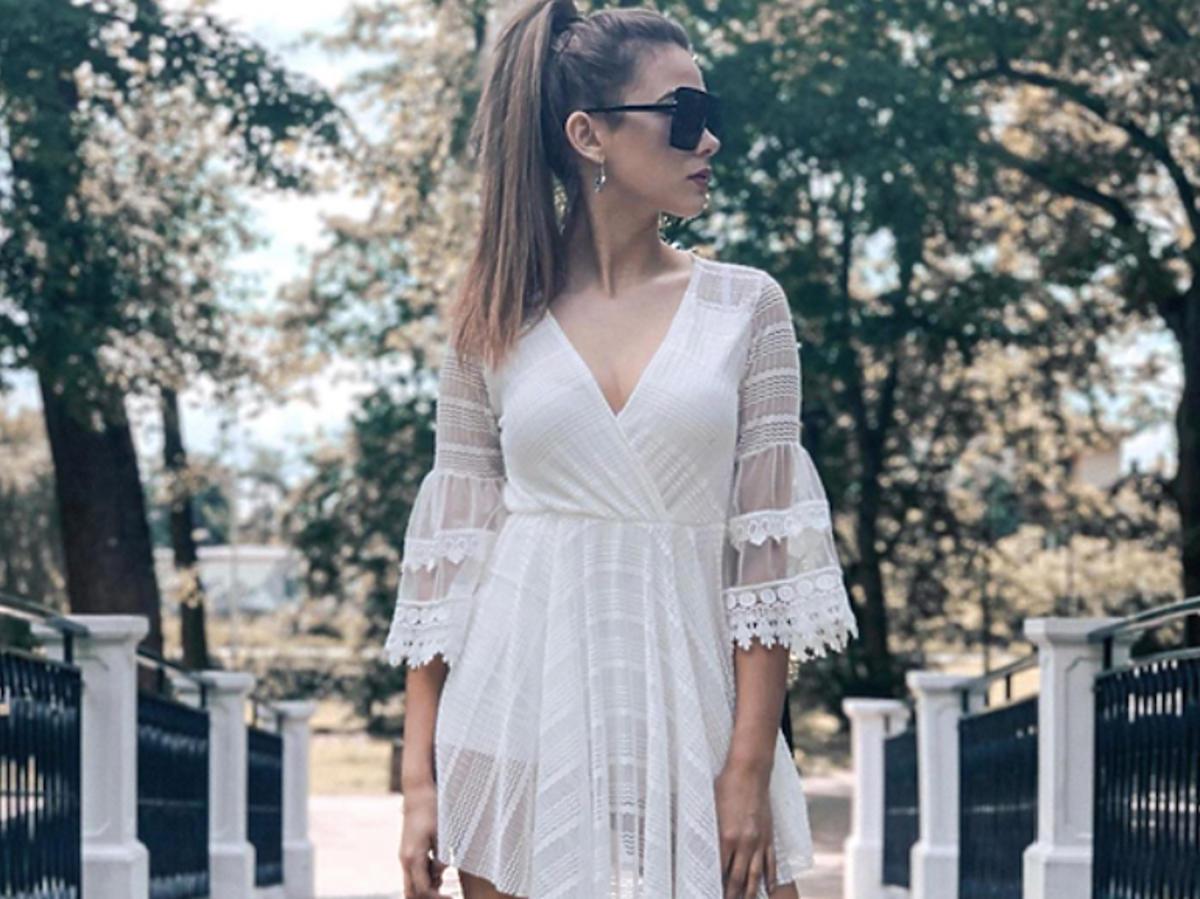 Sylwia Przybysz w białej sukience