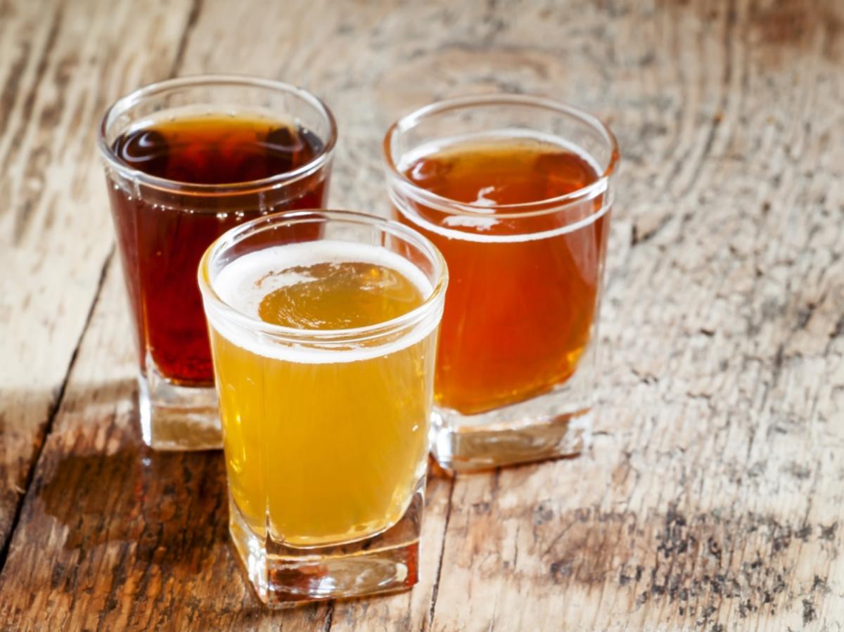 Szklanki z piwem
