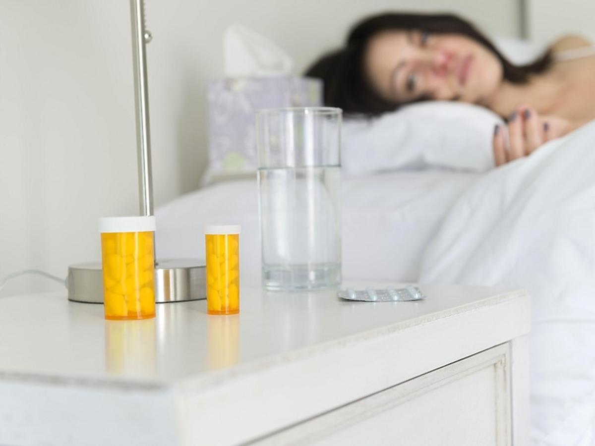 Tabletki przy łóżku