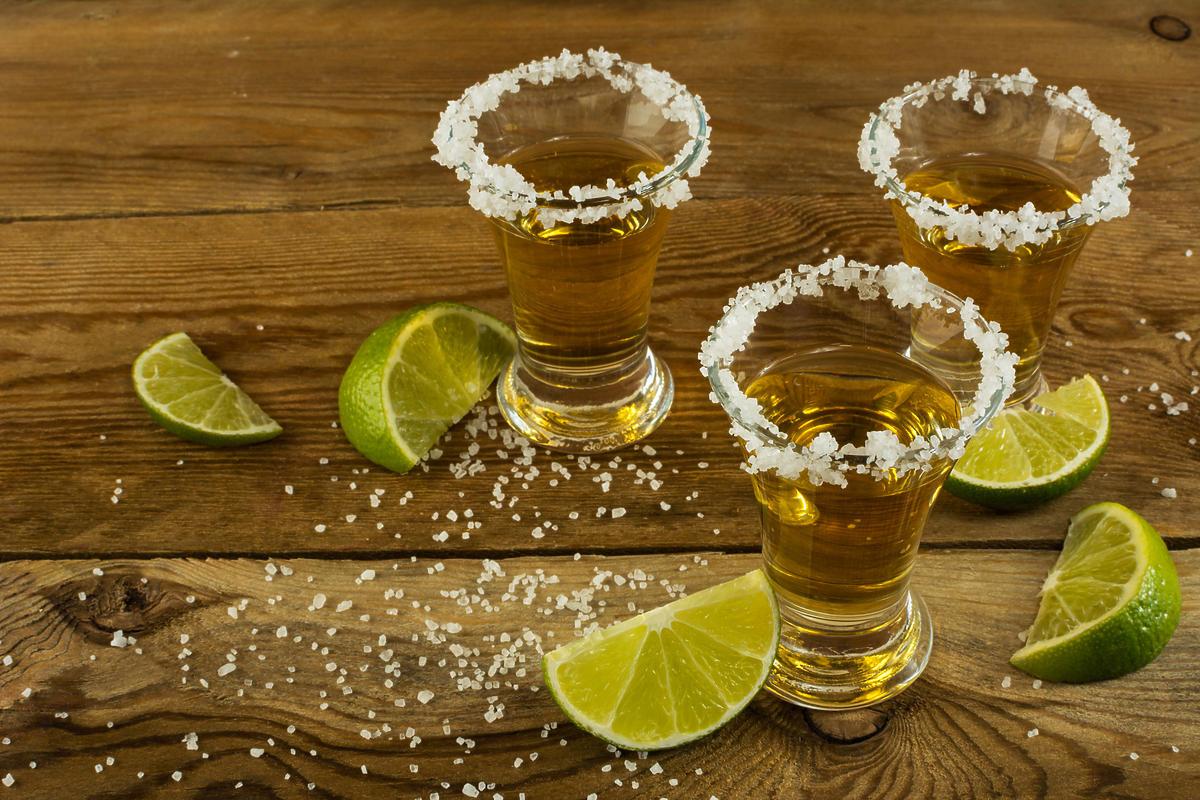tequilla z solą i limonką