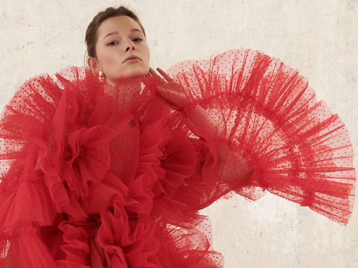 Tiulowa suknia inspirowana Duplo