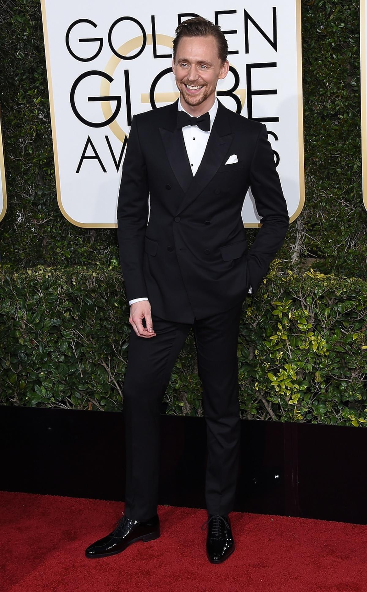 Tom Hiddleston na rozdaniu Złotych Globów 2017