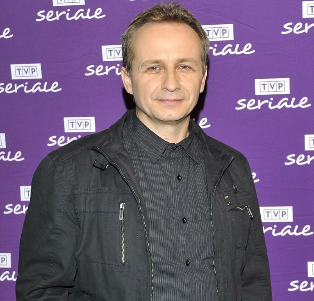 Tomasz Brzeziński w ciemnej koszuli