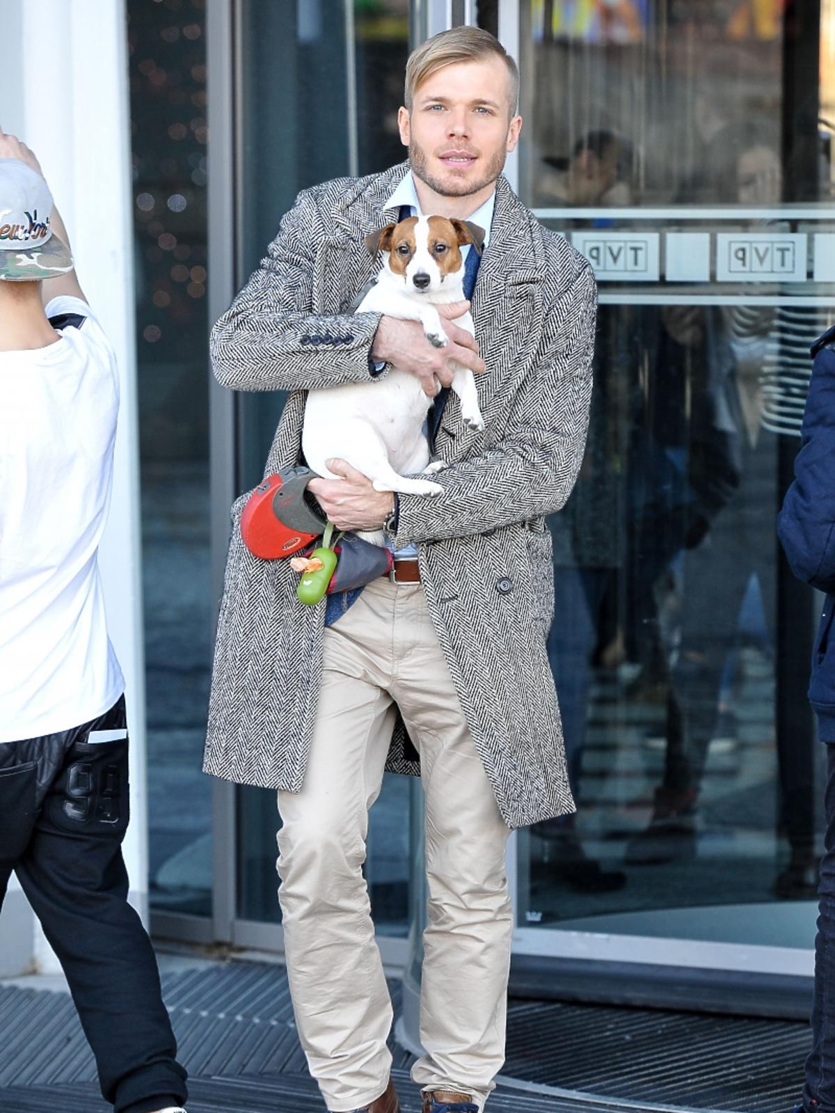 Tomasz Ciachorowski z psem
