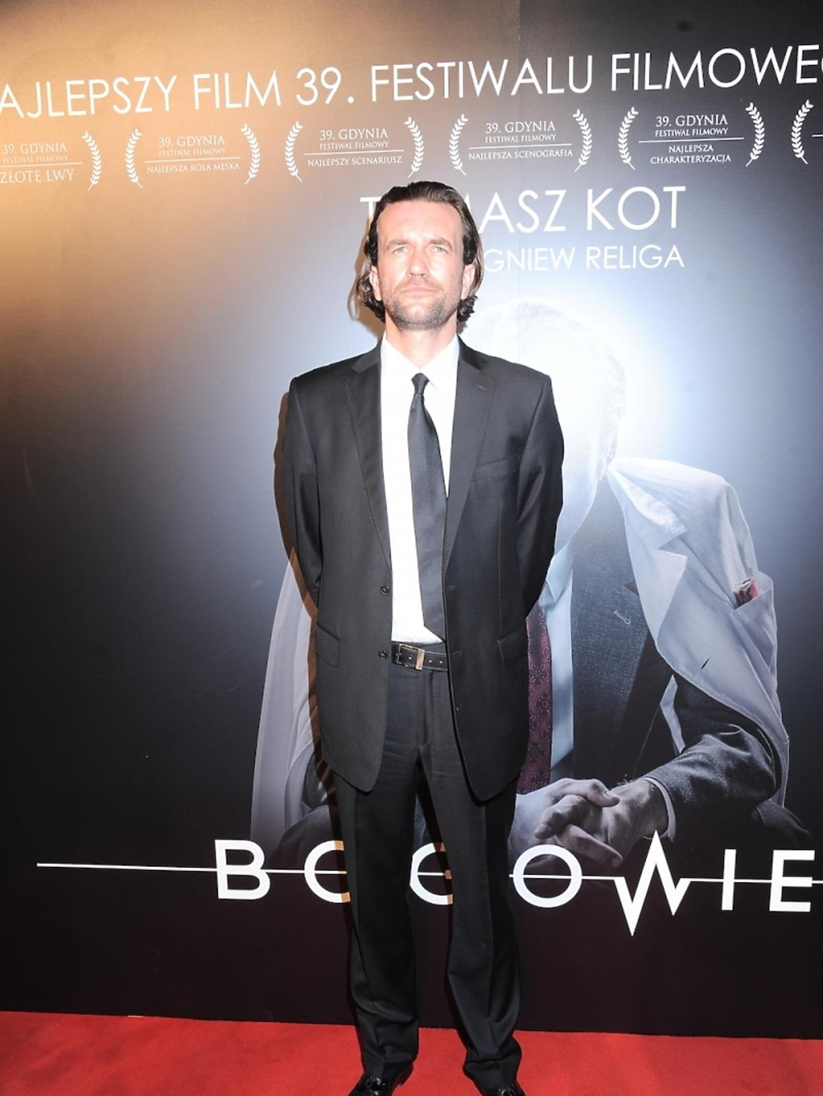 Tomasz Kot na premierze filmu Bogowie