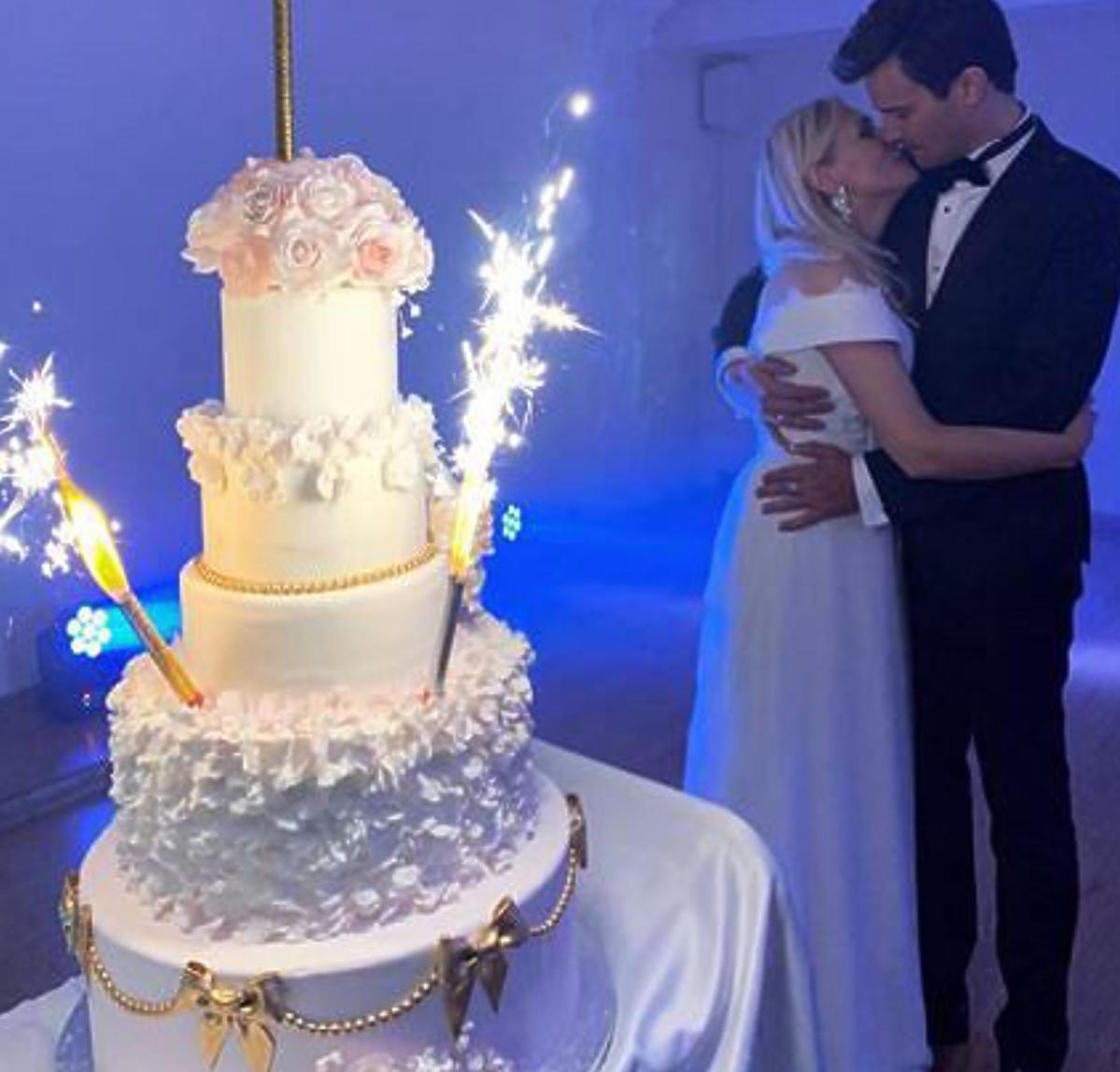 tort na weselu  Sylwii Juszczak i Mikołaja Krawczyka