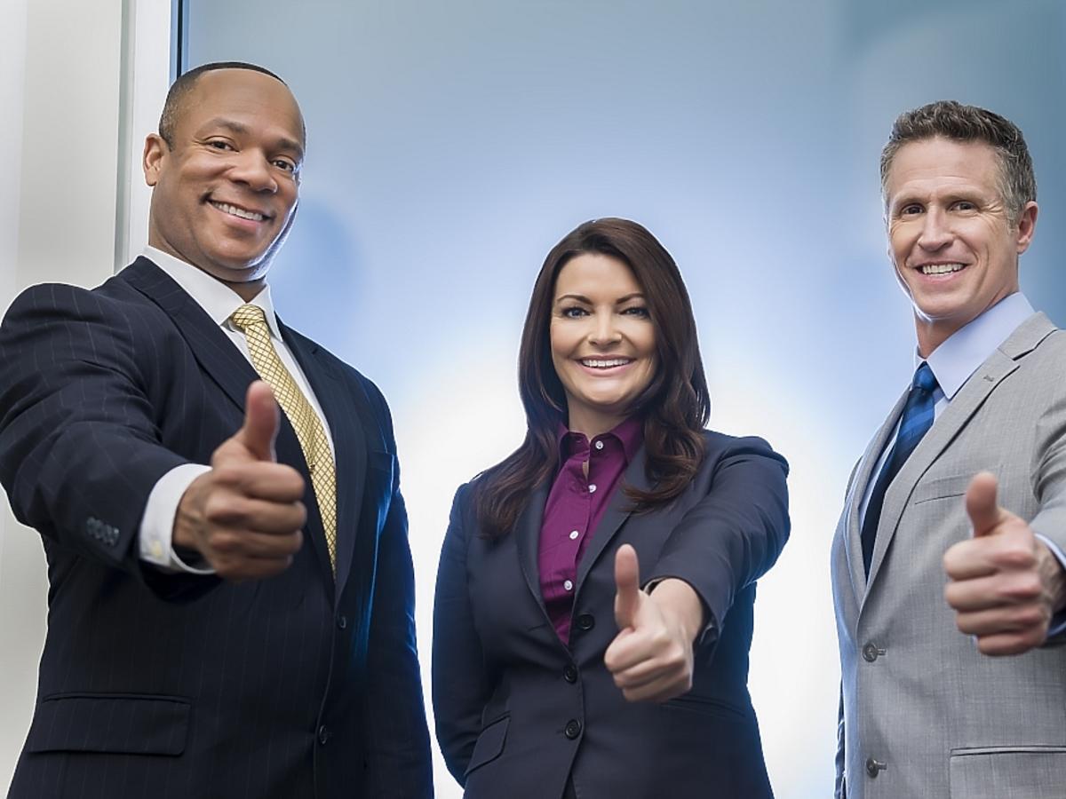 trójka ludzi biznesu