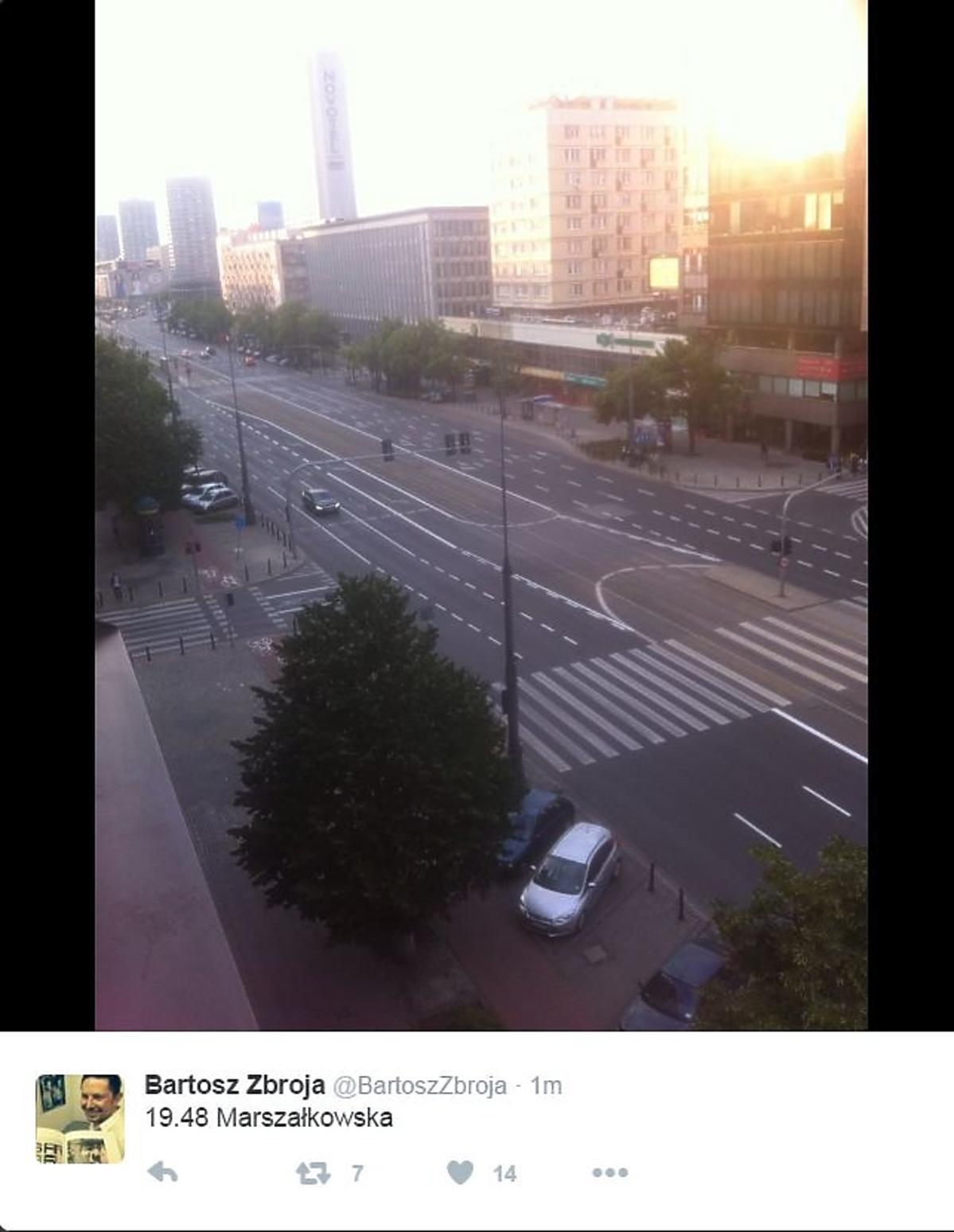Ulica Marszałkowska w trakcie meczu Polska - Ukraina