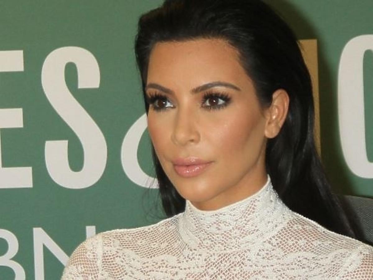 Usta Kim Kardashian w ciąży
