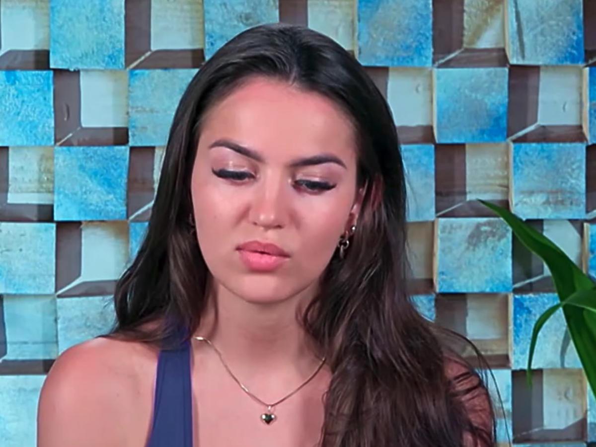 Vanessa z Hotelu Paradise tłumaczy się dlaczego pochwaliła się drogimi klapkami