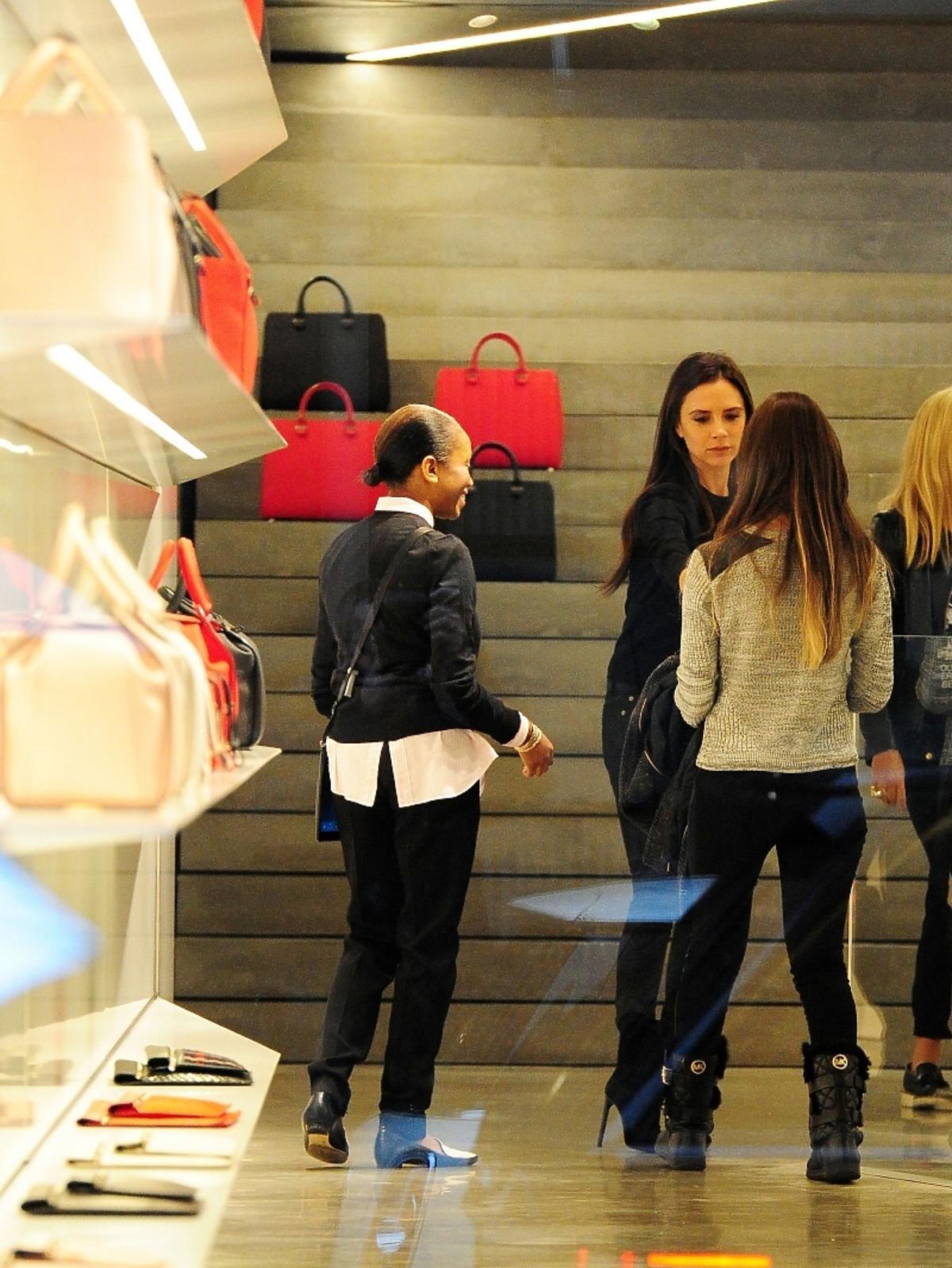 Victoria Beckham w swoim butiku w Londynie