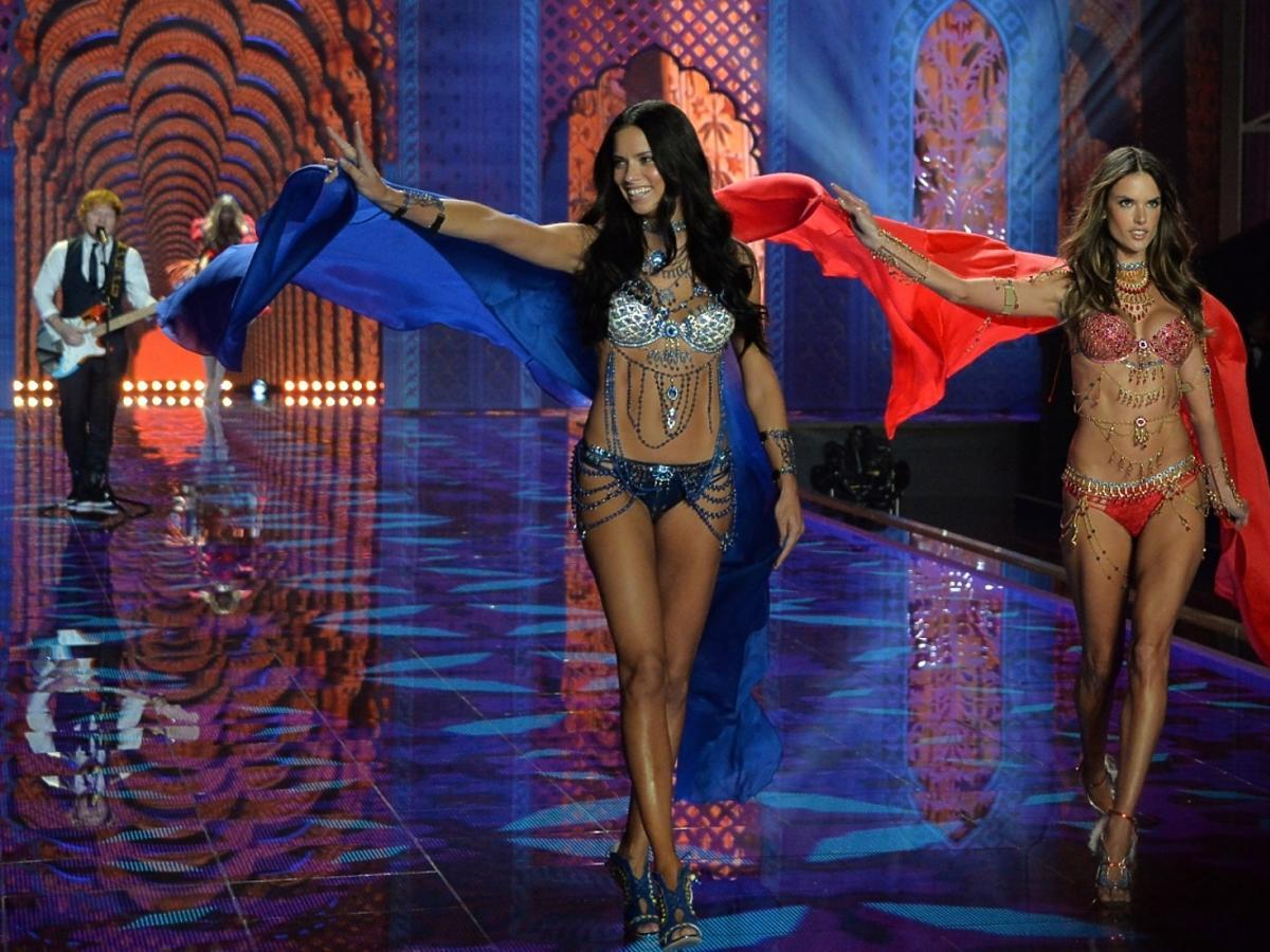 Victoria's Secret Show 2014 - Adriana Lima i Alessandra Ambrosio