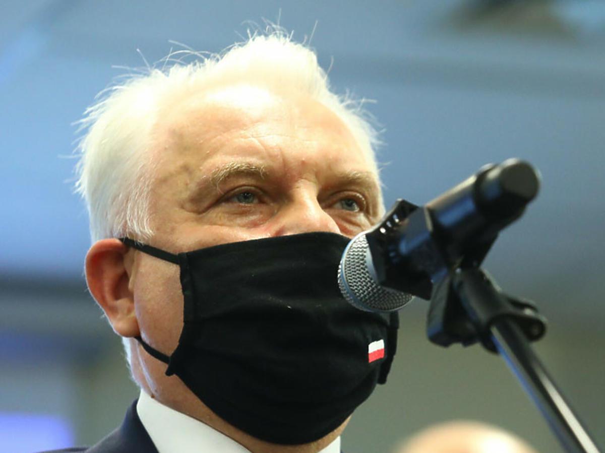 Waldemar Kraśka w maseczce