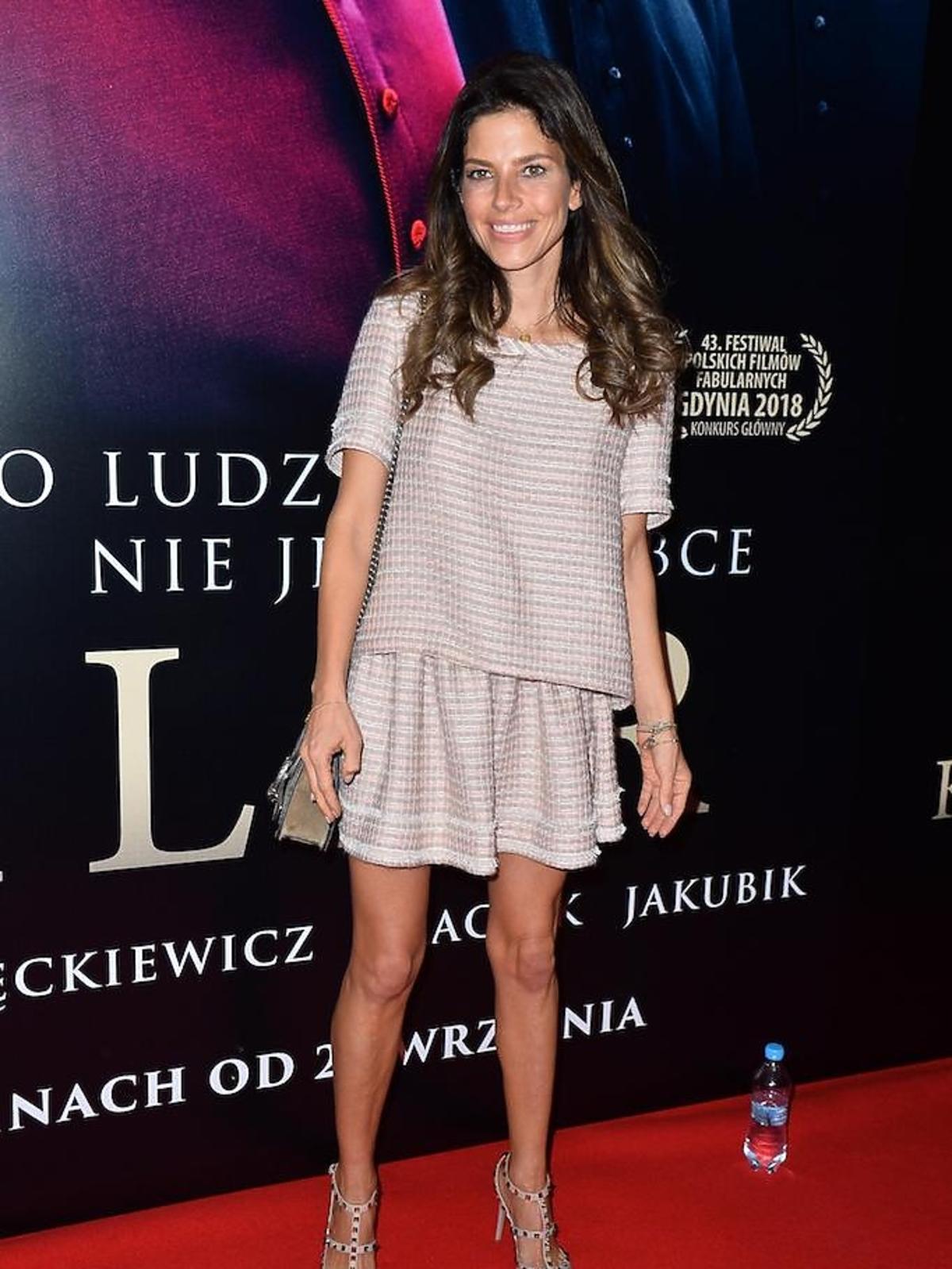 Weronika Rosati na premierze filmu Kler