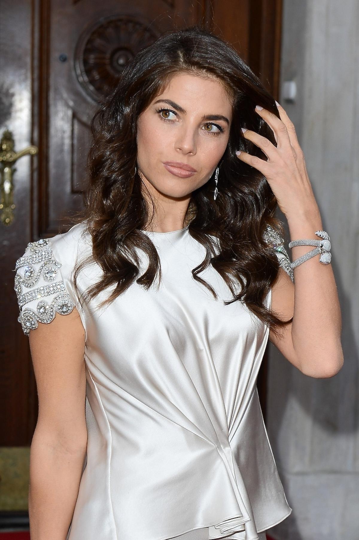 Weronika Rosati w srebrnej sukience z cekinami