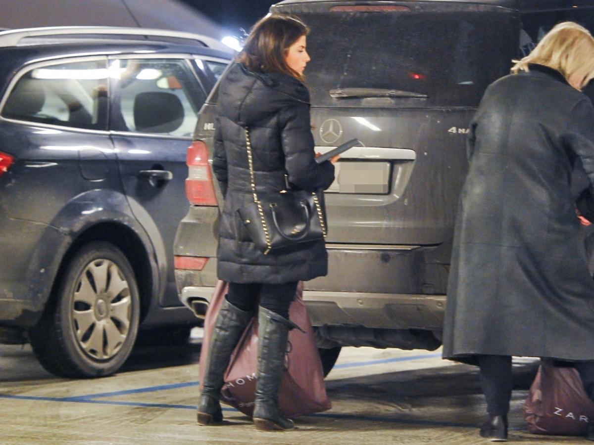 Weronika Rosati z mamą na zakupach