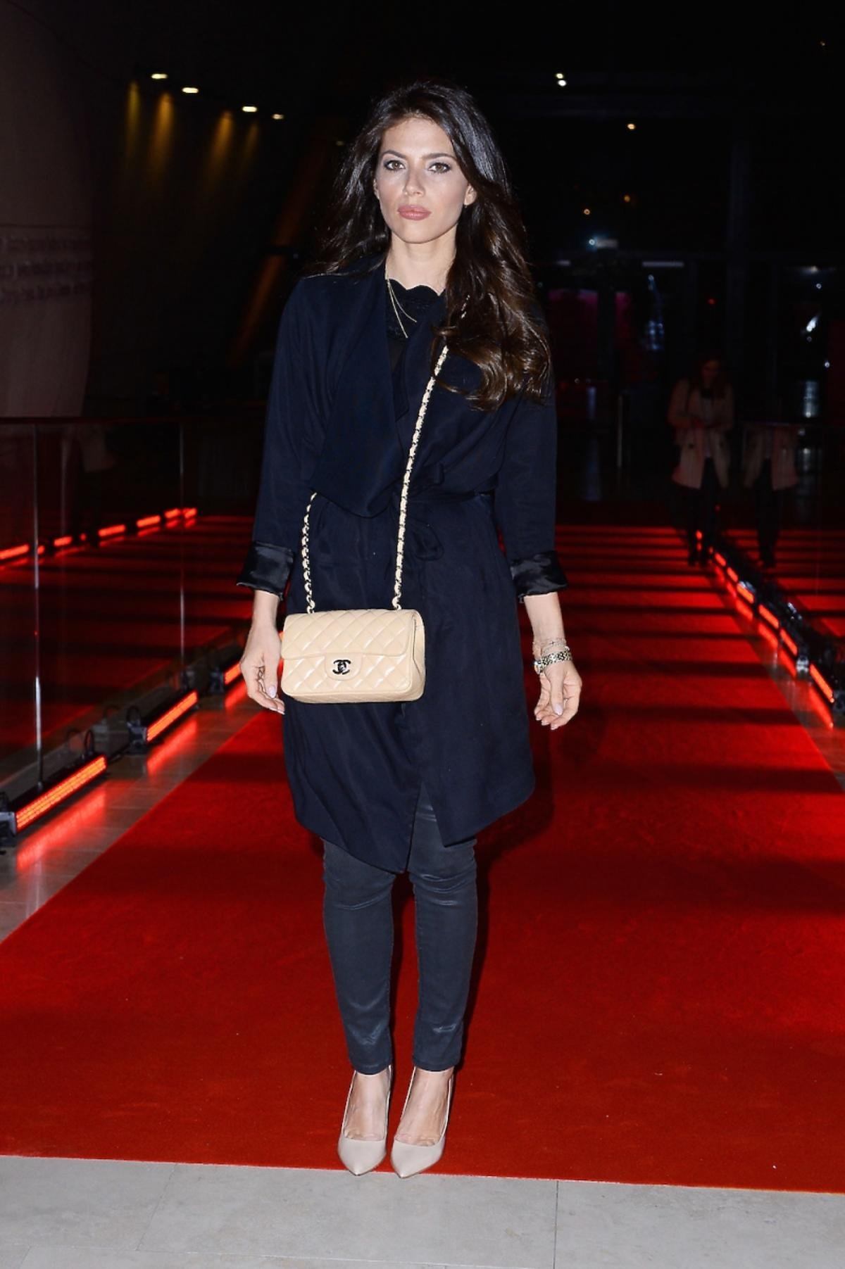 Weronika Rosati z torebką Chanel