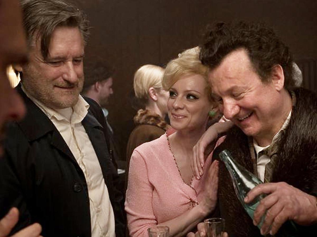 """Widzieliśmy """"Ukrytą grę"""" - ostatni film Piotra Woźniaka-Staraka. Oto 5 powodów, dla których warto zobaczyć ten film"""