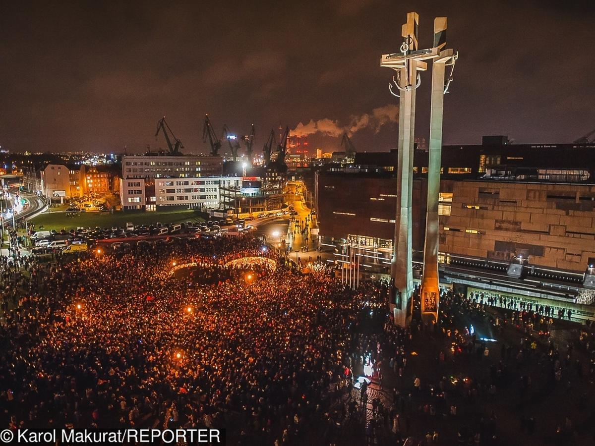 Wielkie Serce dla Pawła Adamowicza w Gdańsku