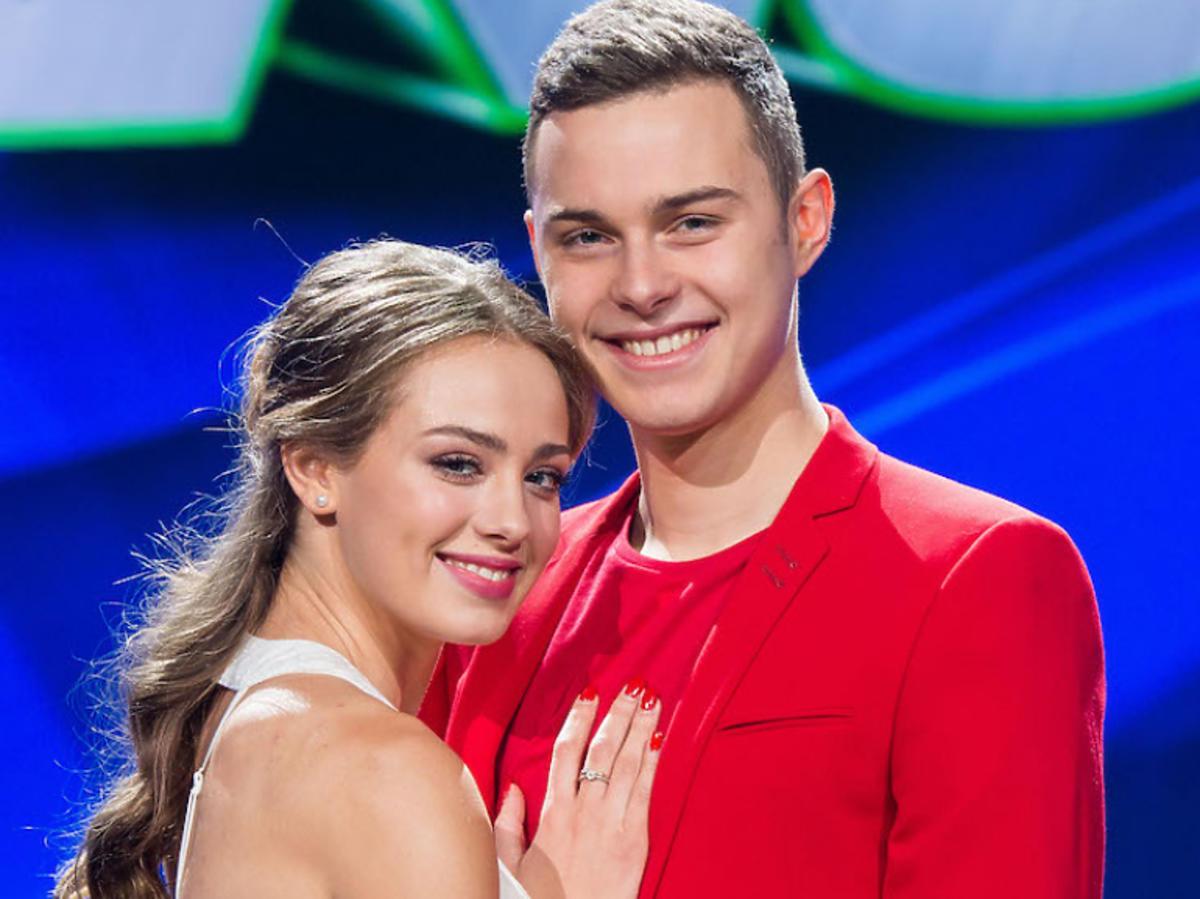 """Wiktoria Gąsiewska i Adam Zdrójkowski na planie """"Dance, dance, dance"""""""