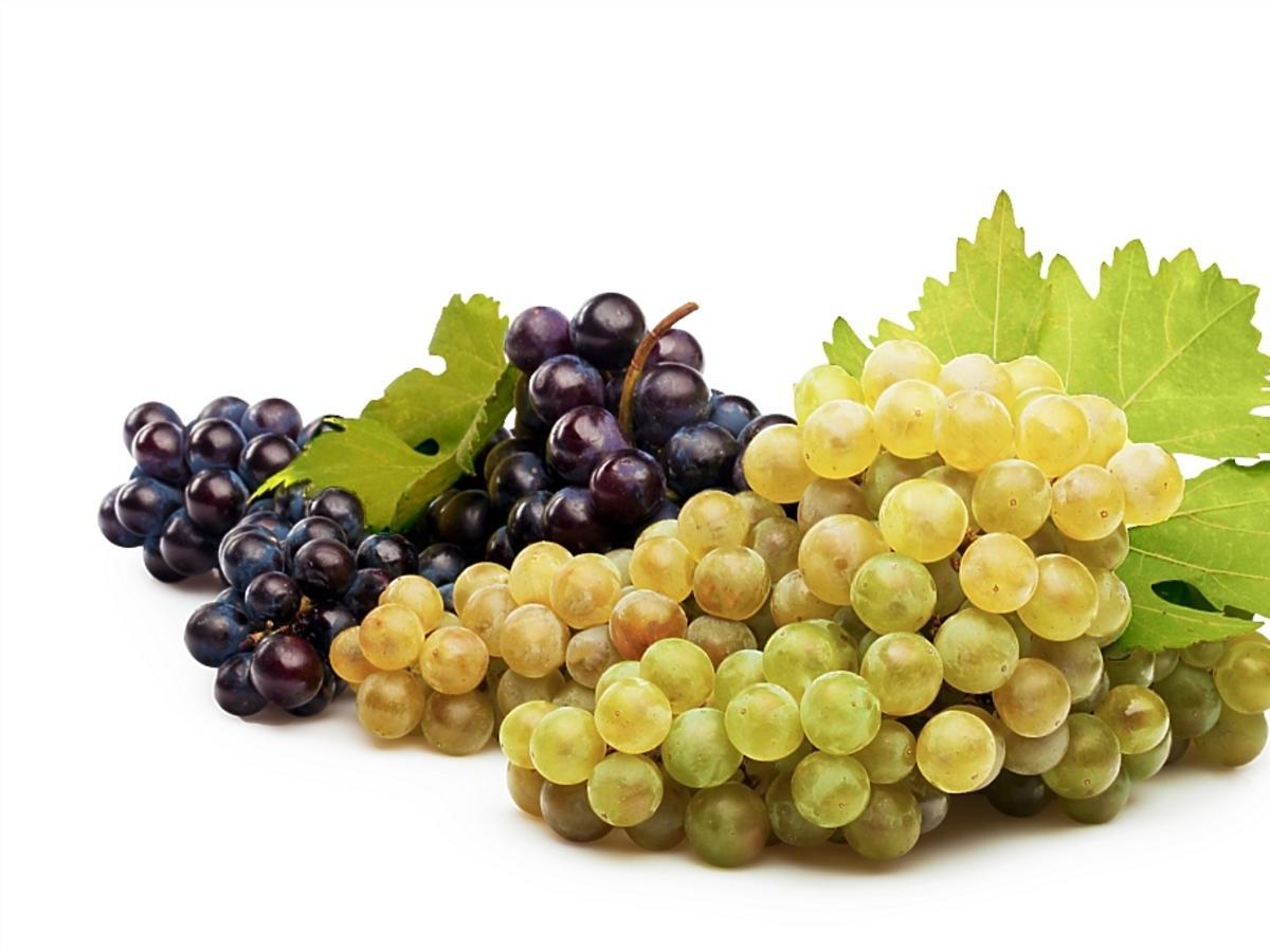 winogrona czerwone i białe