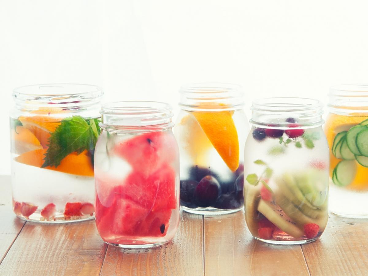 Wody mineralne z dodatkiem owoców i warzyw