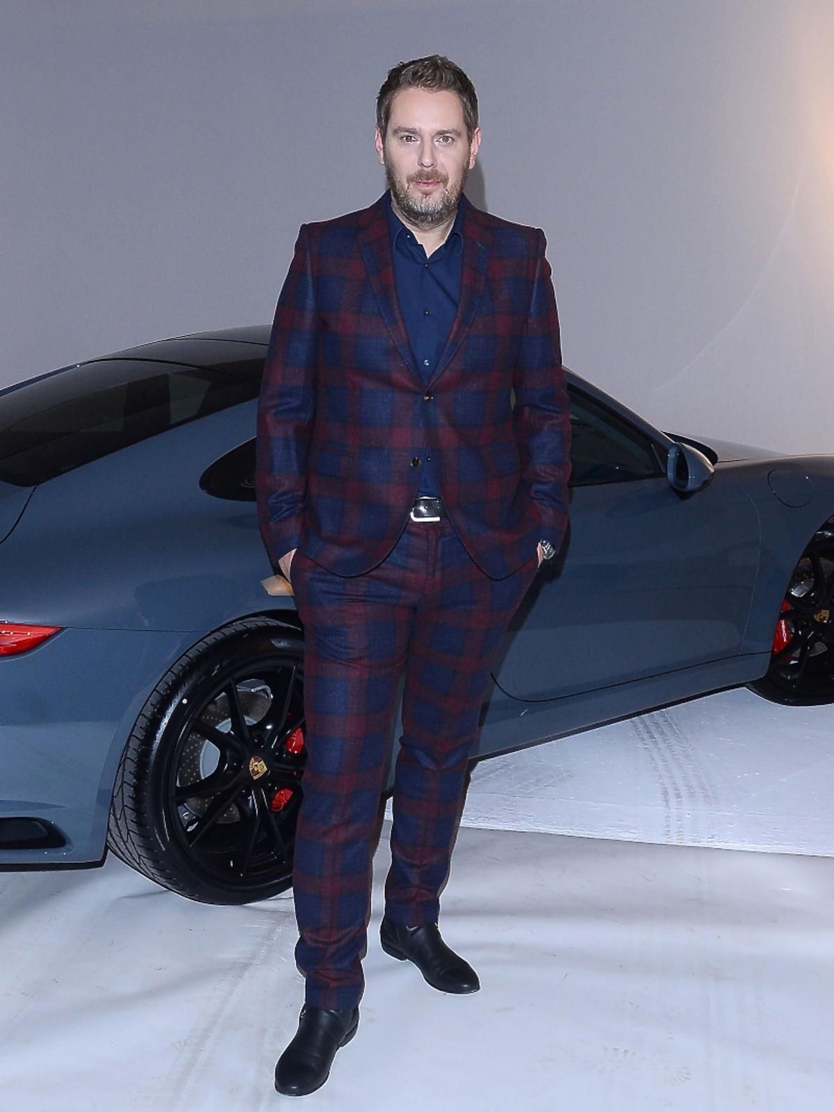 Wojciech Modest Amaro w garniturze
