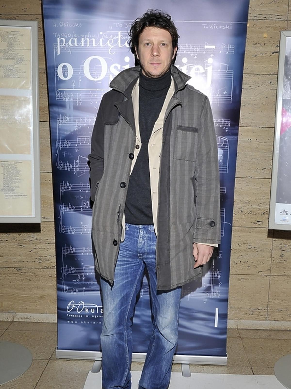 Wojciech Solarz na poetyckim slamie