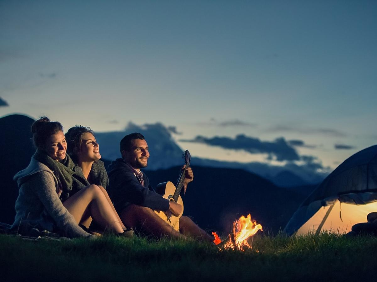 Wyjazd pod namiot - co spakować
