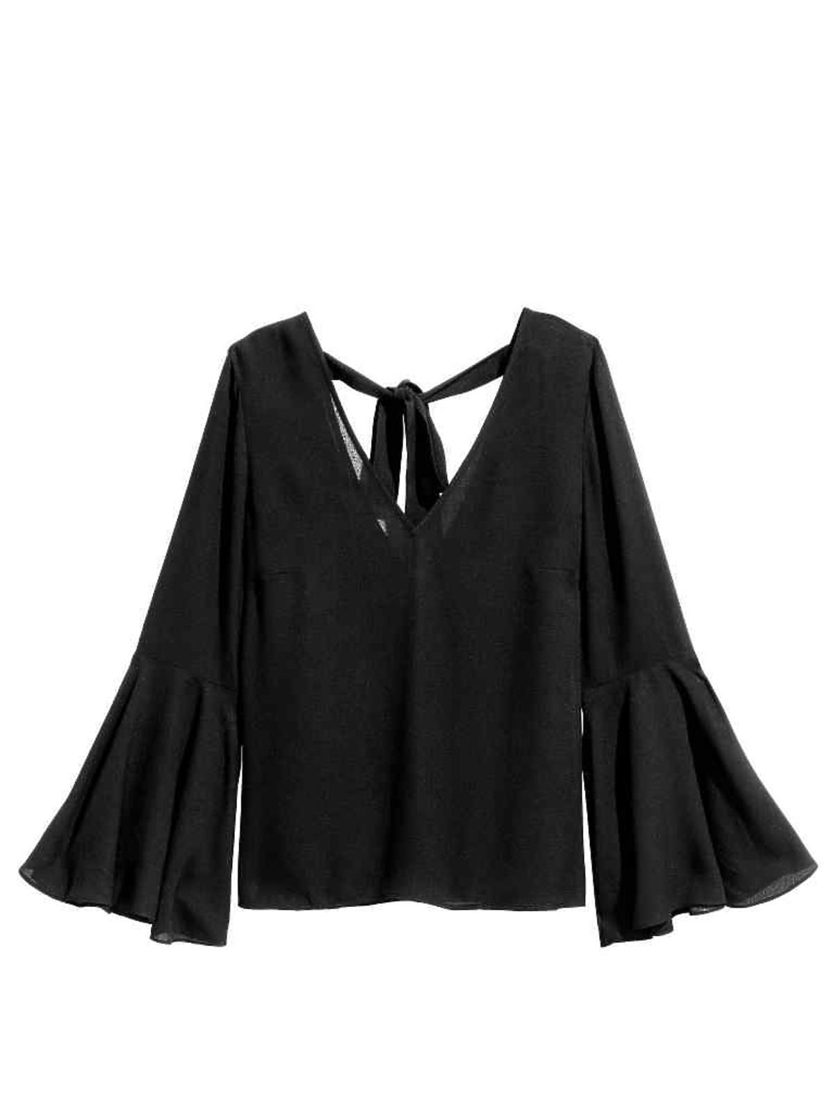 Wyprzedaże H&M zima 2016 - przeceny do 100 zł: Bluzka z rozszerzanym rękawem 55,90 zł (było: 79,90 zł)