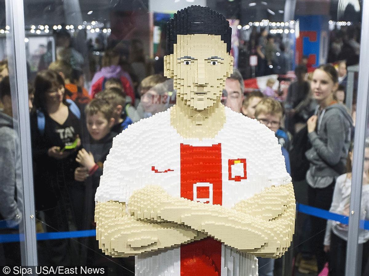 Wystawa klocków Lego i figury Roberta Lewandowskiego na Stadionie Narodowym