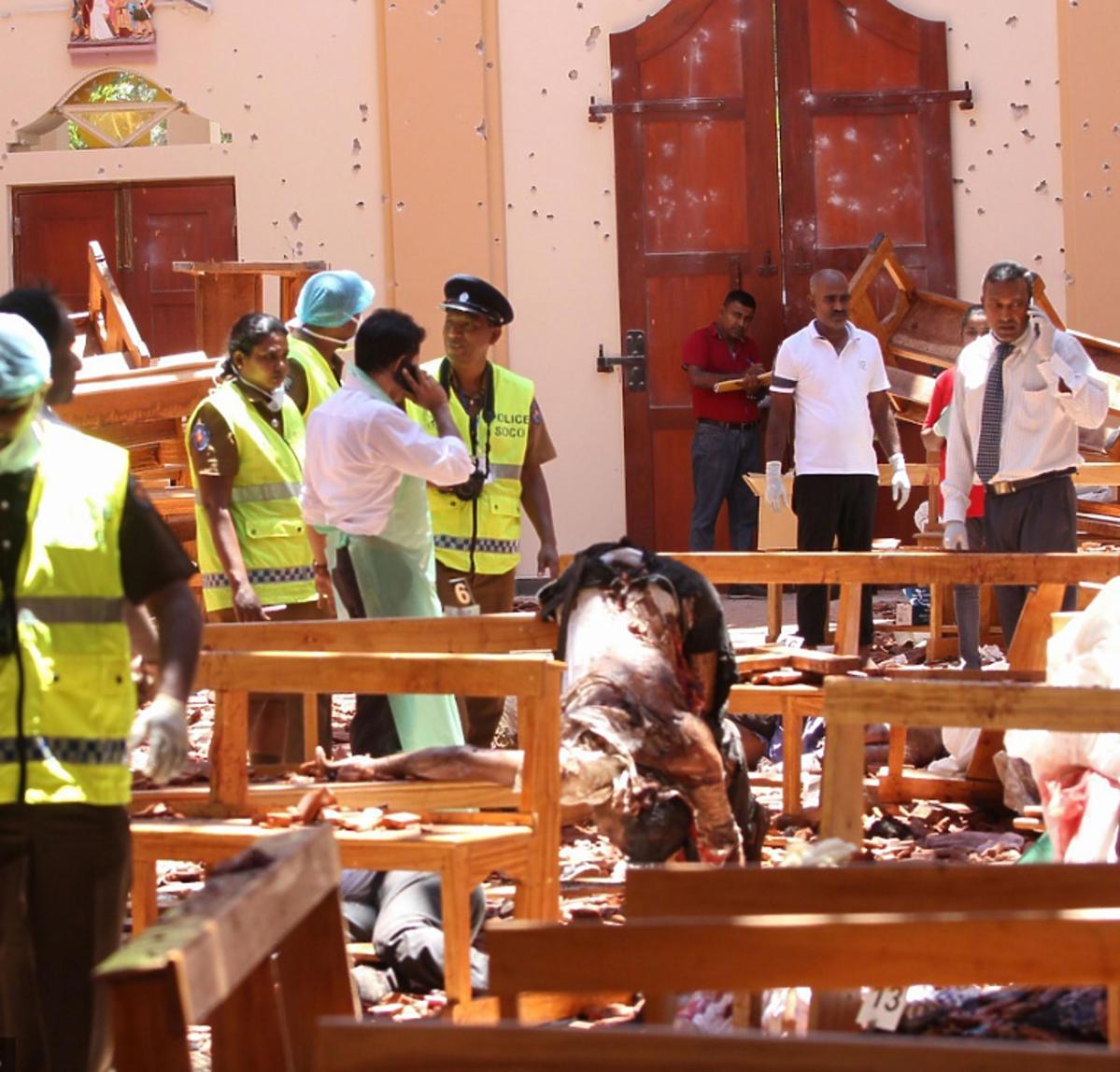 zamach na Sri Lance wnętrze kościoła