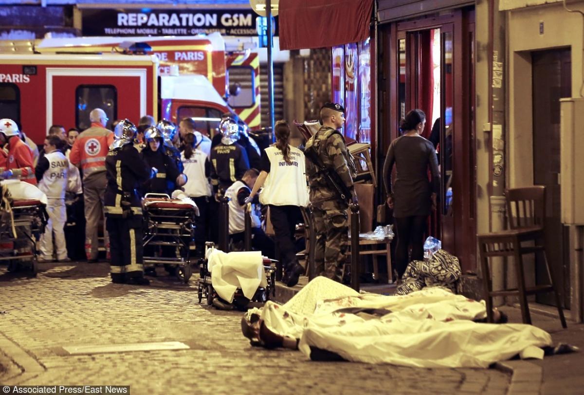 Zamach we Francji ciała ofiary na ulicy
