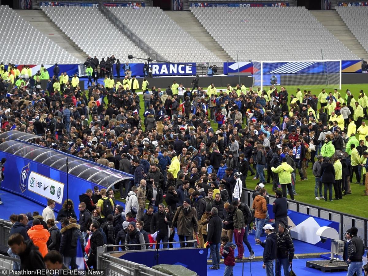 Zamach we Francji - ludzie na stadionie