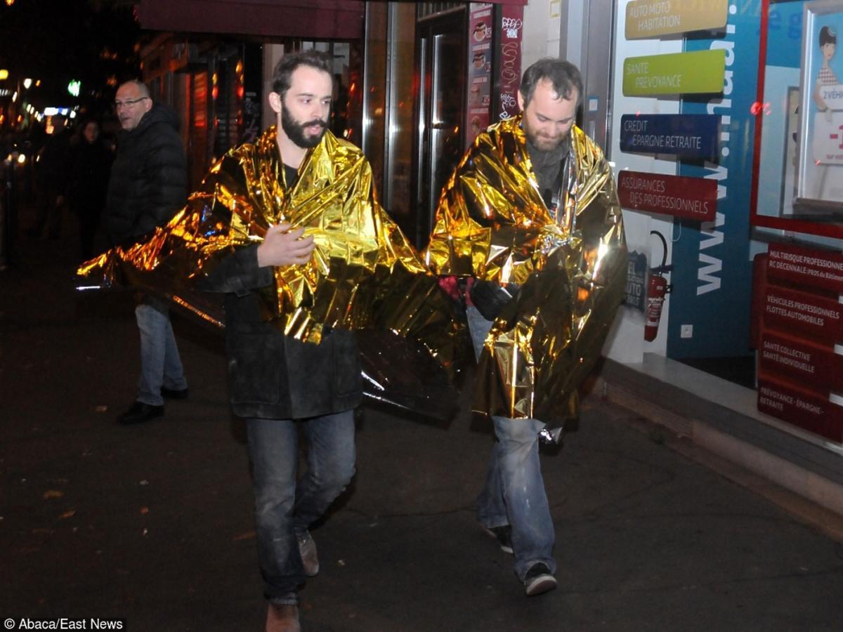 Zamach we Francji uwolnieni ludzie wychodzą z klubu