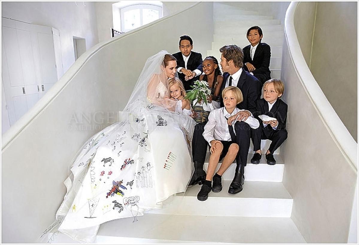 Zdjęcia ze ślubu Angeliny Jolie i Brada Pitta. Ślubna sesja Angeliny i Brada