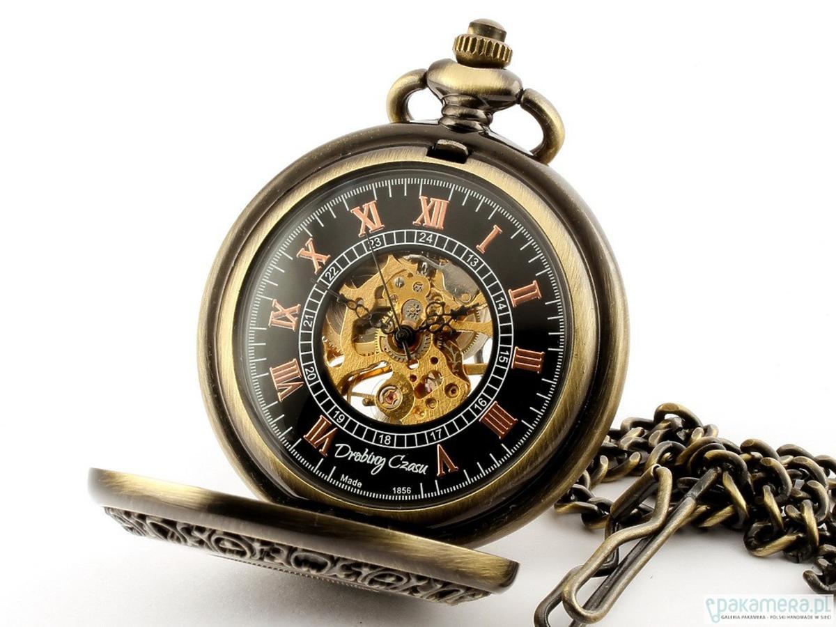 Otwierany zegarek na łańcuszku, Drobiny Czasu/Pakamera.pl, 229 zł