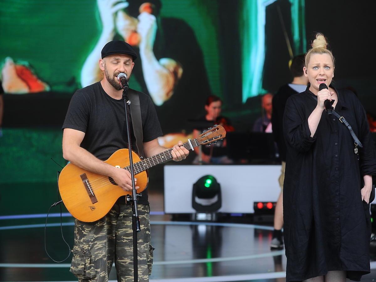 Zespół Hey, Katarzyna Nosowska na scenie w Opolu