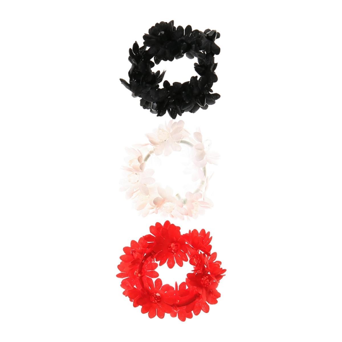 Zestaw gumek: czarna, biała i czerwona