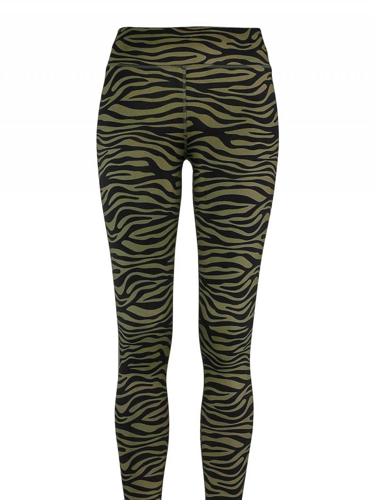 zielone legginsy w czarne wzory