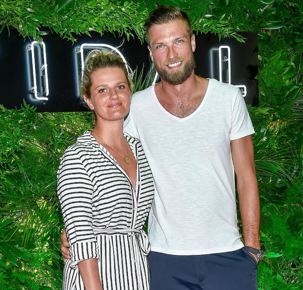 Zofia Zborowska i Andrzej Wrona na pierwszej imprezie po zaręczynach