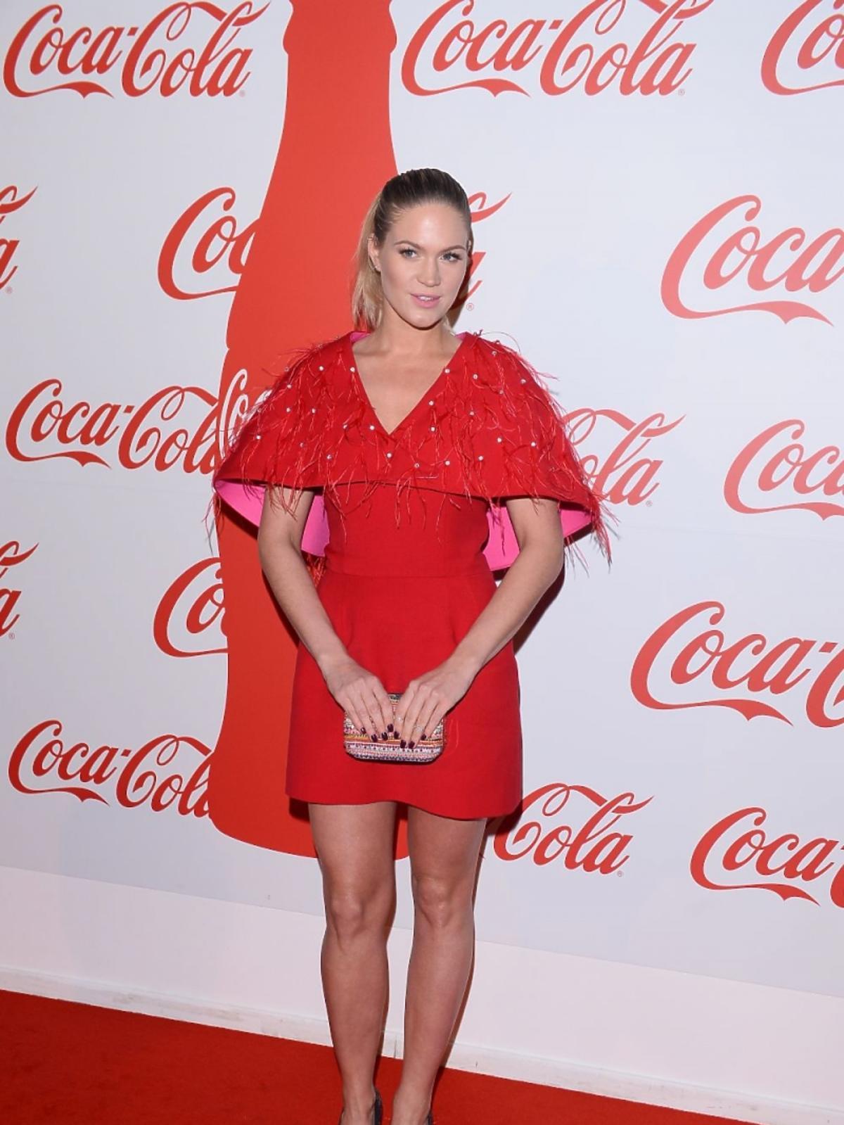 Zosia Ślotała w czerwonej sukience