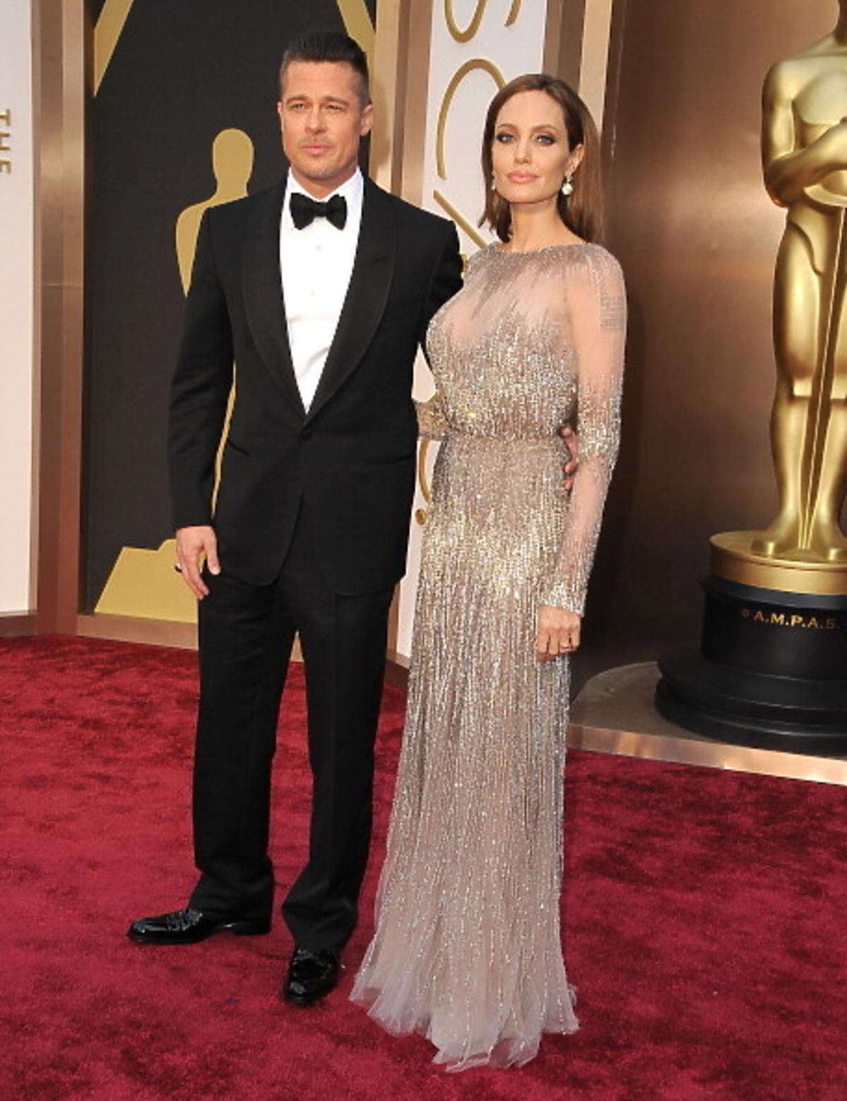 Angelina Jolie i Brad Pitt na czerwonym dywanie