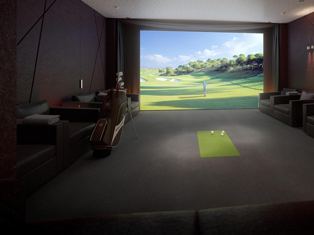 ZŁOTA 44 Sala ZŁOTA 44 Sala kinowa symulacja golfa