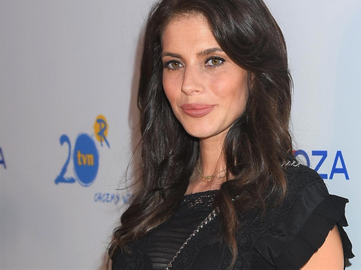 """Weronika Rosati w ciąży na konferencji """"Diagnozy""""! Jej brzuszek coooraz większy! :) ZDJĘCIA"""