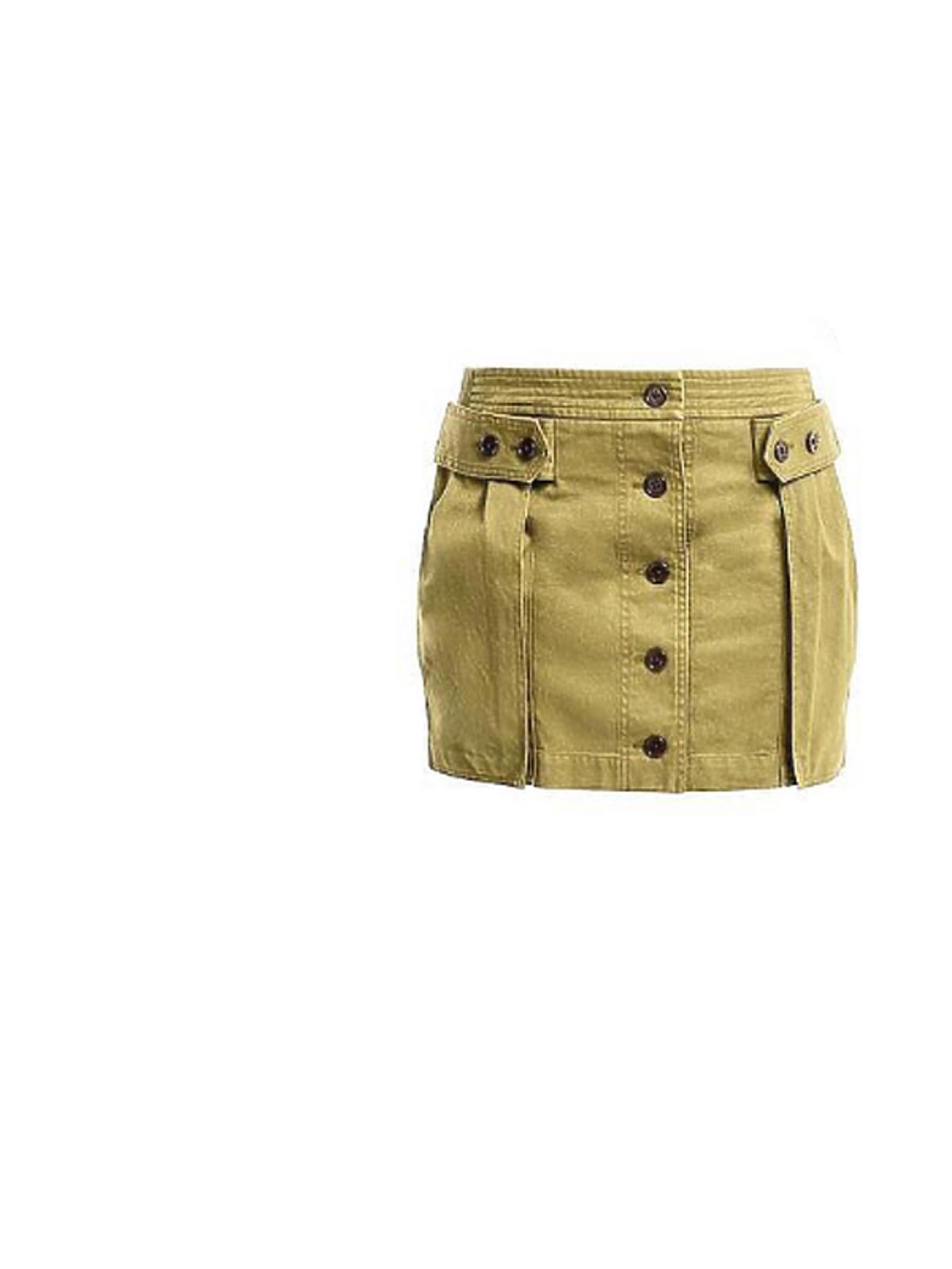 Ania Lewandowska założyła spódniczkę od Yves Saint Laurent. Jej cena to ok. 2900 złotych.
