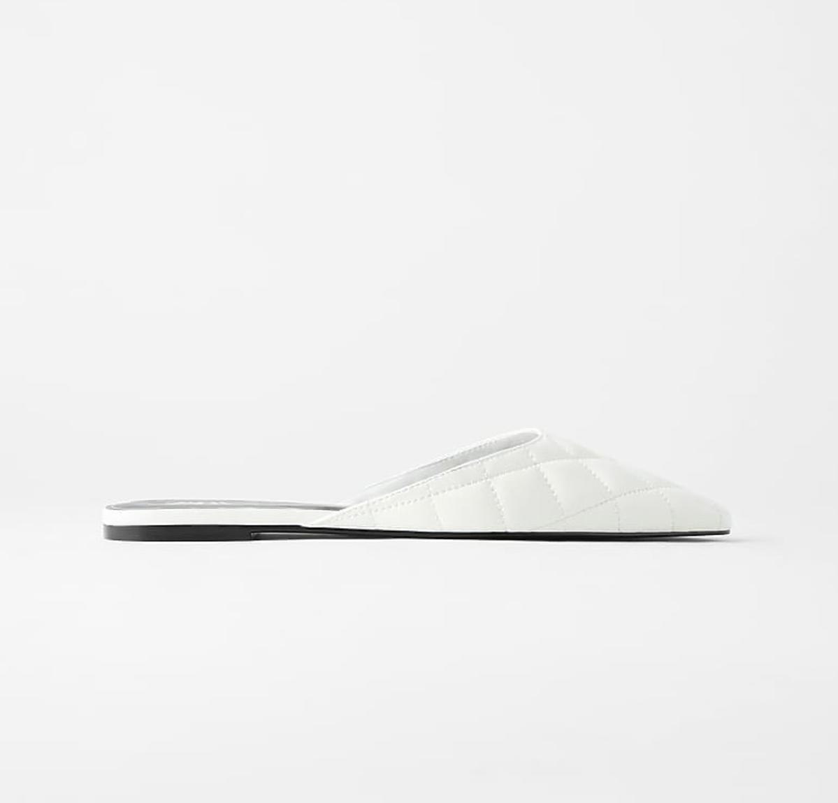 Białe klapki, Zara, 49,99 zł